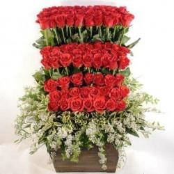 Καλάθι με τριαντάφυλλα κόκκινα - Τιμη ανθοπωλειου Πατρας