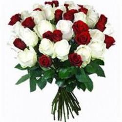 Μπουκετο με Λευκά και Κάκκινα Τριαντάφυλλα  - Τιμη ανθοπωλειου Πατρας
