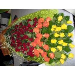 Ανθοδεσμη με 100 διαφορα Τριανταφυλλα  - Τιμη ανθοπωλειου Πατρας